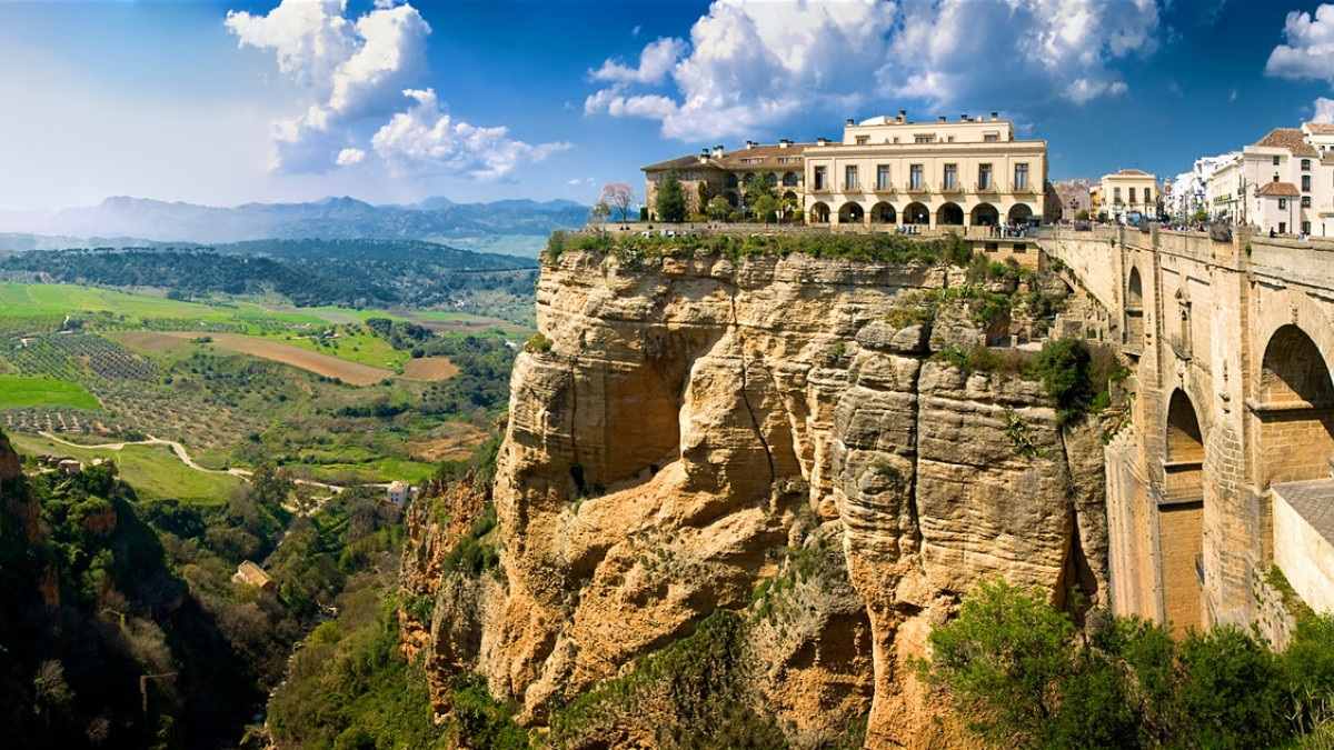 Explore Ronda, everything you need to know about with Haro Rent A Car Car Hire Services!